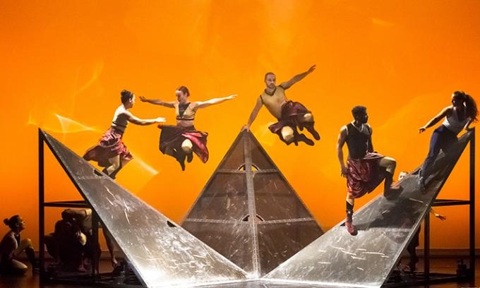 Diavolo: Architecture in Motion at Providence Performing Arts Center